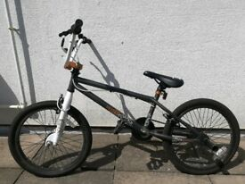 Used BMX white/grey bike EXCELLENT condition white with stunt pegs