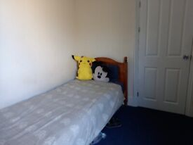 A single room in student house- to rent.
