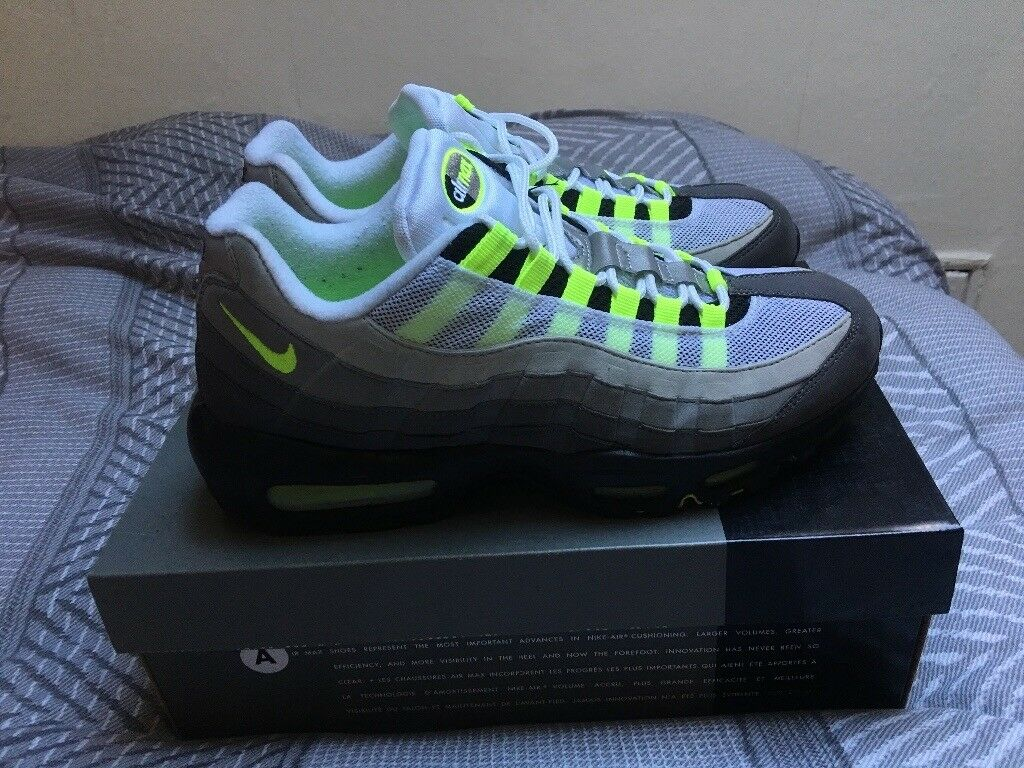 fcbfe90a9a4485 Nike Air Max 95 OG (2015) UK Size 9 Neon Grey Vintage Condition Like New