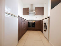 A modern and bright recently refurbished 1 double bedroom flat in Kings Cross and close to Angel