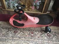 Swing car kids red for age 3-6years old good condition £4