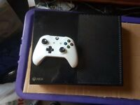 Xbox One 500 GIG with White controller and 1 Game £120 No Offers. Immediate Pickup