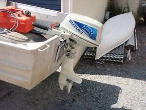 Suzuki 8hp outboard motor tank and fuel line. Heritage Park Logan Area Preview
