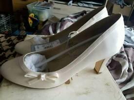 Size 6 bridal shoes
