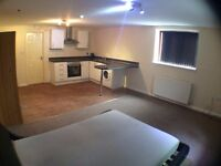 SPACIOUS OPEN PLAN STUDIO ALL BILLS INCLUDED!!
