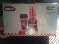 Dinky Diner Smoothie Maker
