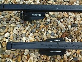 Halford Roof Bars for roobox. Square type bar, E set with fitting kit. For all cars with roof rails.