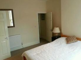 Double room with ensuite to rent.