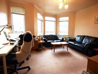 Lovely 1 Double Bedroom Flat within seconds walk of Grenn Lanes and Close to Manor House Tube