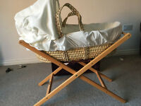 MAMAS AND PAPAS MOSES BASKET AND STAND !!! BARGAIN
