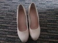 Woman cream wedges