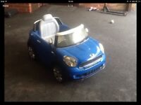 KIDS RIDE ON MINI ( needs battery and charger ) Was £25