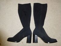 FIORE WOMENS / LADIES BLACK BOOTS BNWT SIZE 8
