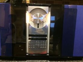 BANG & OLUFSEN BEOCENTER 2300 with SPEAKERS