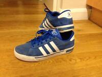Used NEO Adidas SIZE 8