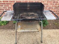 CHARCOAL BBQ BARBECUE ON LEGS