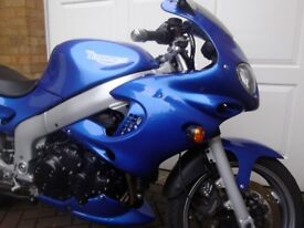 TRIUMPH 955i SPRINT RS ONLY 2043 MILES