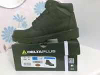 Men's Delta Plus Safety Boots size 8 (New)