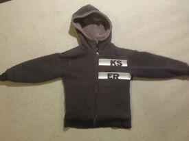 Black used QuickSilver Autumn Hoodie With Lining Boys 8 Years Old