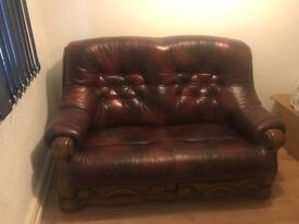Leather sofa in *GREAT CONDITION* Grab yourself a BARGAIN