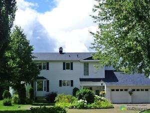 385 000$ - Maison 2 étages à vendre à St-Félicien