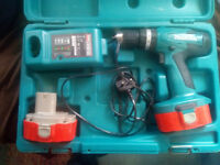 MAKITA 8391D Cordless Combi Hammer Drill & X2 batteries and charger