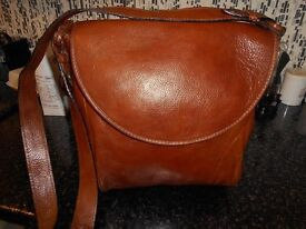 large leather brown cross shoulder bag