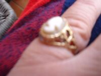 9ct Gold Cameo Ring size p