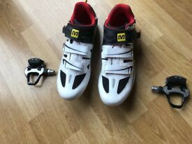Mavic Cycling shoes Size 11 and pedals BRAND NEW