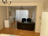 Massive Double Room to Rent in Shared House in Hillcross Avenue, Morden.