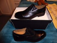 Mens black leather smart shoes size 9