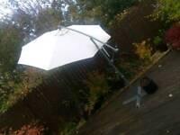 Large Quality Cantilever Garden Parasol.