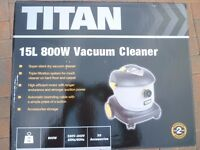 TITAN VACUUM HOOVER CLEANER BRAND NEW AND BOXED WITH ACCESSORIES L@@K