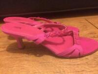 Ladies pretty pink sandals size 7