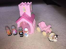 Happyland church & carriage from Mothercare.
