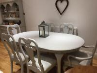 Shabby chic Queen Anne 6 seater dining table