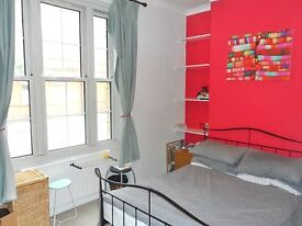 One bedroom apartment in Devon Mansions, Tooley Street, SE1