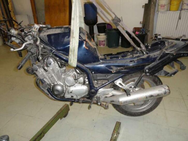 YAMAHA XJ6 (47.5CV) 2013 600 cm3   moto routière   Argent