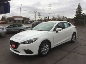 2014 Mazda Mazda3 GS-SKY HEATED SEATS! LOW KM!!