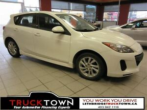 2012 Mazda MAZDA3 LOW KMS ON THIS MAZDA 3