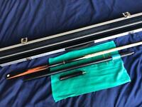 Snooker Cue and Extras