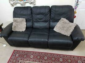 Leather Recliner Sofas 3 seater and 2 seater in Excellent Condition