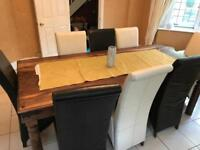 Gorgeous oak table inc 8 leather chairs