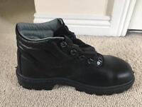 Arch Safety Boots Size 8 Unworn