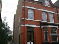 3 bedroom flat in Llewelyn Road, Colwyn Bay, LL29 (3 bed)