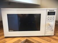 Panasonic Microwave White 950W NN SD251W