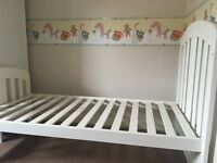 Mamas & Papas 3 Piece Set Cot/bed-drawer-wardrobe.