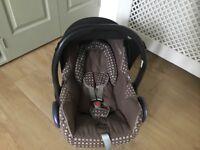 Maxi Cosi Cabrio-fix infant car seat