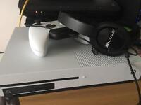 Xbox One S 500gb as new condition