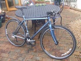 Ridgeback Meteor 19'' Flat Bar Hybrid Cycle in excellent condition